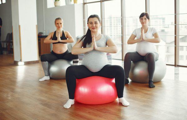 יוגה או פילאטיס: מה בריא יותר בהריון?